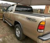 Extra clean 04 Toyota tundra
