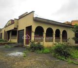 A Well-built 4 Bedroom Bungalow Sitting On 1000sqm Land