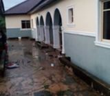 House with 4 flats for sale in Mowe.